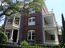 220px-Calhoun_Mansion_in_Charleston,_SC